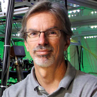 STEVE ROLSTON '80 WANTS TO START A QUANTUM REVOLUTION