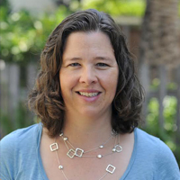 """KATE GORDON '94 BRINGS AN """"ASTUTE POLICY MIND"""" TO CLIMATE-CHANGE ECONOMICS"""